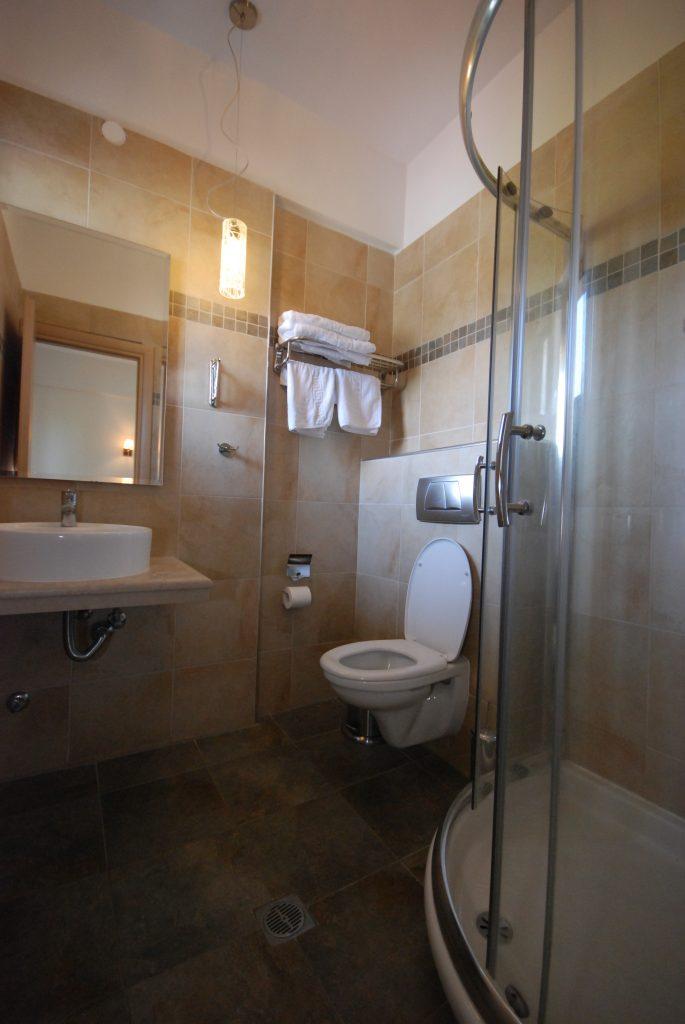 Bathroom photo 4