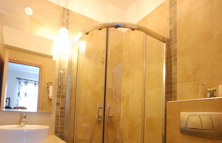 bath photo 8